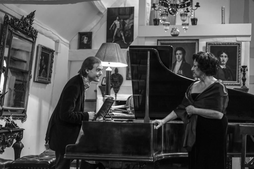 fête de la musique chez Olivier Maréchal (Palacepianos), à Sury-aux-bois le 28 juin 2014 - avec Laura Presti dans la Dame de Monte-Carlo (Poulenc)