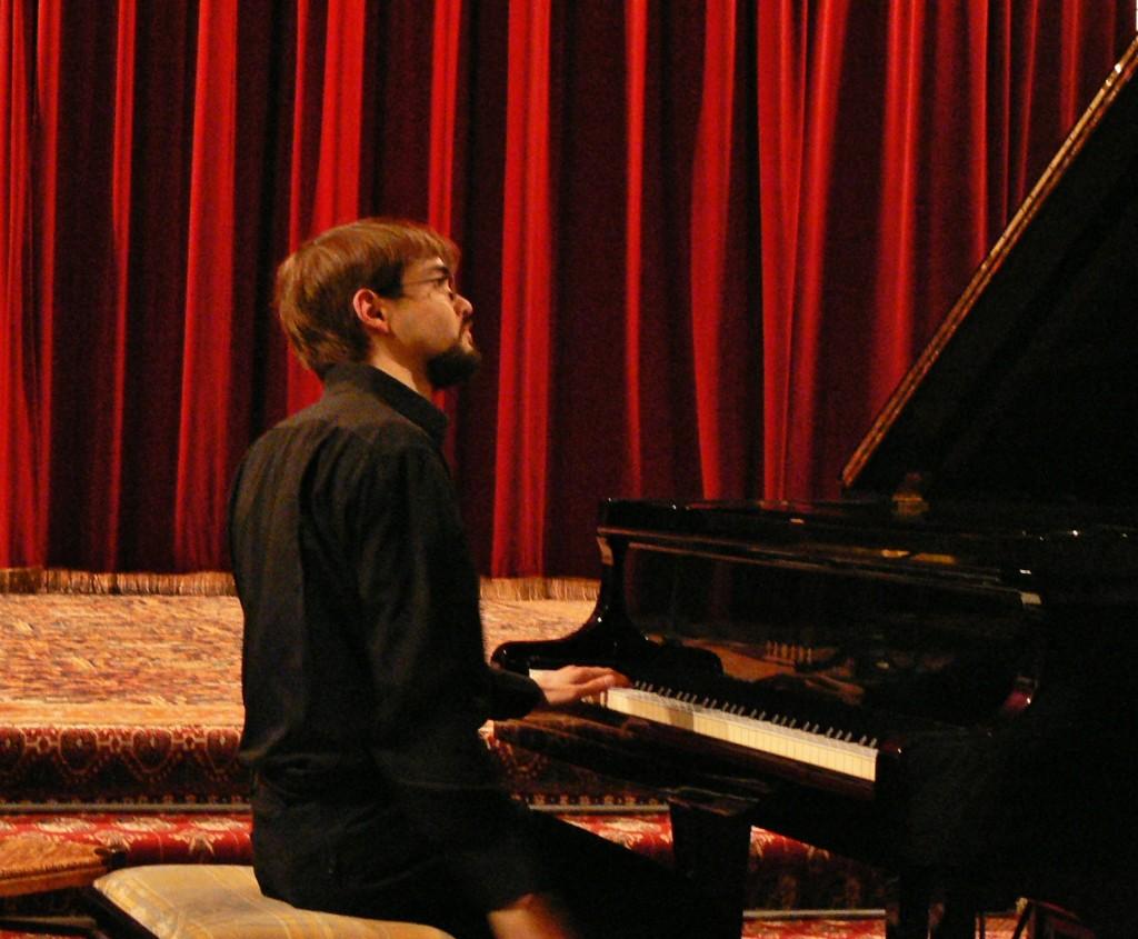 récital solo à la cathédrale Sainte-Croix des Arméniens, 28 octobre 2007