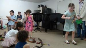 séance d'éveil musical, le 25 juin 2014 (3)